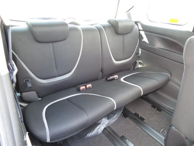 サードシートです。 荷物が思ったより多くなった時や、大人数でのドライブなど、様々なシーンに対応出来ます。