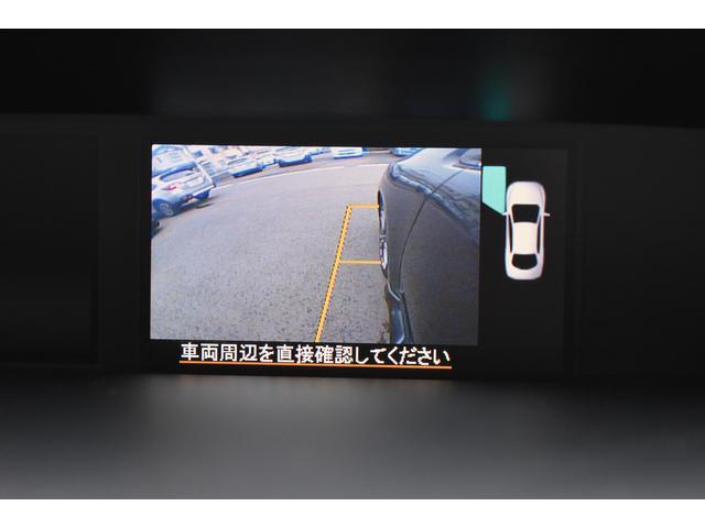 助手席側ドアミラーにはサイドカメラを内蔵し、マルチファンクションディスプレイで確認できます。