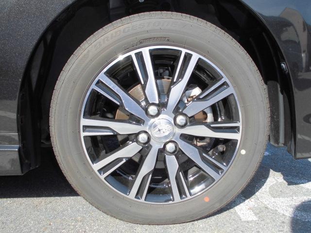 タイヤサイズは165/55R14で残り溝は5ミリ程度です。お値打ちタイヤも取り揃えておりますので、タイヤ交換ご希望のお客様はスタッフまでご用命ください!