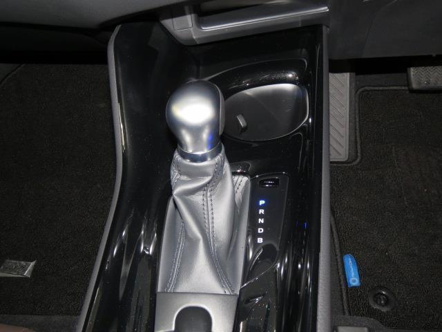 トヨタ C-HR G 当社試乗車