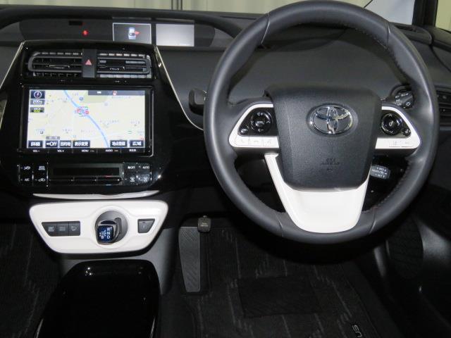 トヨタ プリウス Sセーフティプラス クリアランスソナー ドライブレコーダー