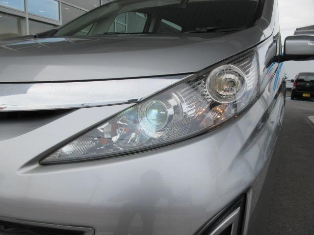 白く明るい光のディスチャージヘッドライトです◎ハロゲンライトに比べ省電力です♪