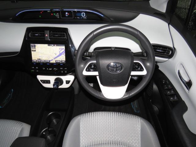 トヨタ プリウス S フルセグSDナビ・DVD再生・バックカメラ・4WD
