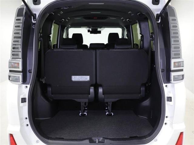 【サードシート】サードシートは跳ね上げ式大きな物も載せれます。