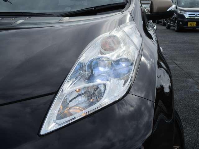 ◆◆◆LEDヘッドライトです。ロービームにシャープな白光色のLEDランプを採用しました。