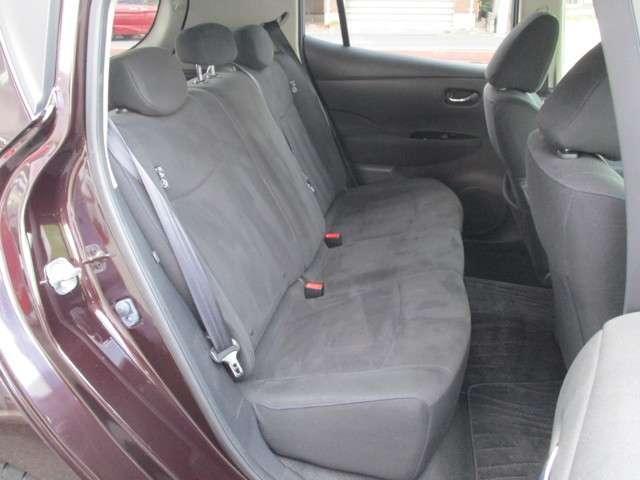 ◆◆◆後部座席も当然、綺麗・清潔に仕上げております。内装の綺麗なお車は気持ちが良いですし、コンディションのいい車が多いです。前のユーザーが丁寧に使っていた証拠です。