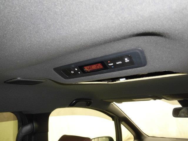 ハイブリッドGi プレミアムパッケージ 衝突被害軽減システム 両側電動スライド LEDヘッドランプ 乗車定員7人 3列シート(5枚目)
