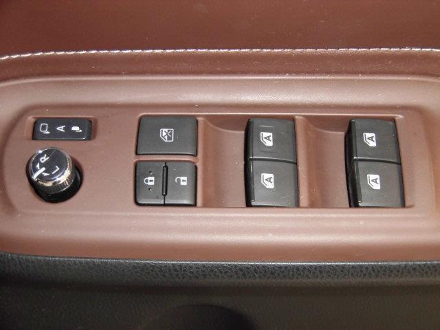 Gi フルセグ メモリーナビ DVD再生 ミュージックプレイヤー接続可 後席モニター バックカメラ ETC 両側電動スライド LEDヘッドランプ 乗車定員7人 3列シート(18枚目)