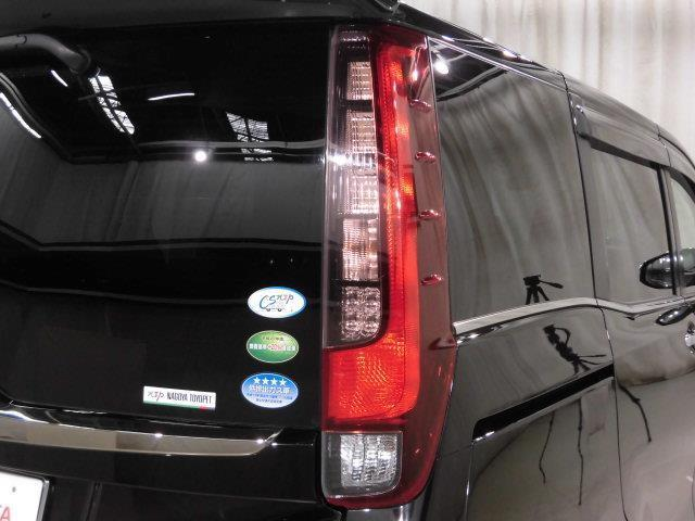Gi ブラックテーラード 4WD フルセグ メモリーナビ DVD再生 ミュージックプレイヤー接続可 バックカメラ 衝突被害軽減システム ETC 両側電動スライド LEDヘッドランプ 乗車定員8人 3列シート(7枚目)