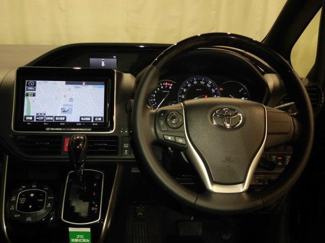 Gi ブラックテーラード 4WD フルセグ メモリーナビ DVD再生 ミュージックプレイヤー接続可 バックカメラ 衝突被害軽減システム ETC 両側電動スライド LEDヘッドランプ 乗車定員8人 3列シート(8枚目)
