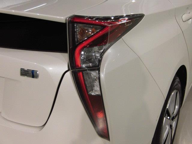 A フルセグ メモリーナビ DVD再生 ミュージックプレイヤー接続可 バックカメラ 衝突被害軽減システム ETC LEDヘッドランプ アイドリングストップ(7枚目)