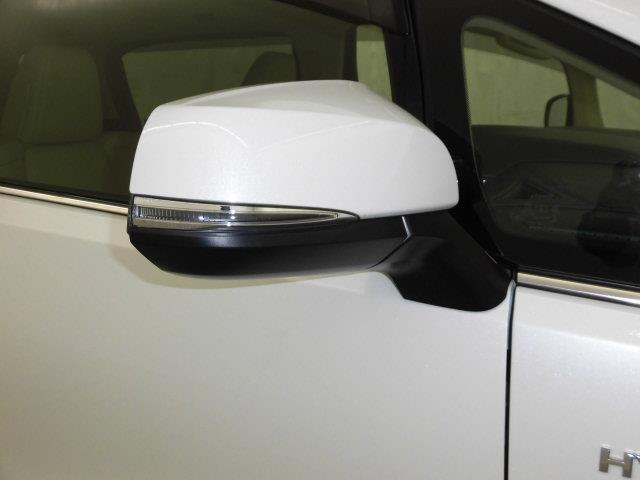 G Fパッケージ 革シート 4WD フルセグ メモリーナビ DVD再生 ミュージックプレイヤー接続可 後席モニター バックカメラ 衝突被害軽減システム ETC ドラレコ 両側電動スライド LEDヘッドランプ 3列シート(7枚目)