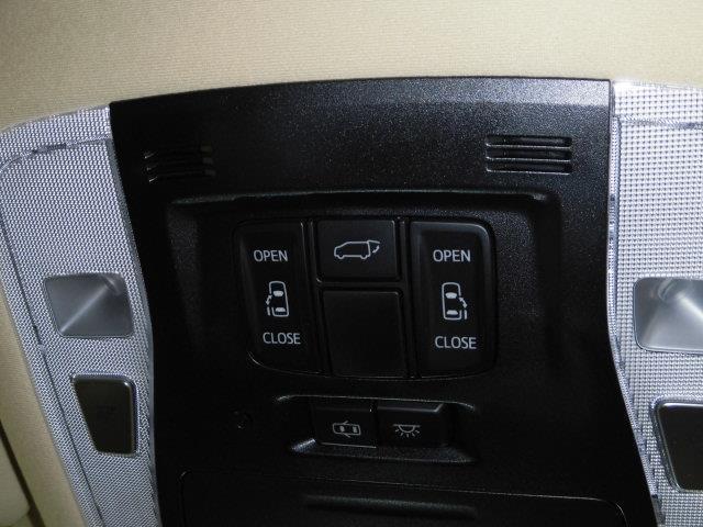 G Fパッケージ 革シート 4WD フルセグ メモリーナビ DVD再生 ミュージックプレイヤー接続可 後席モニター バックカメラ 衝突被害軽減システム ETC ドラレコ 両側電動スライド LEDヘッドランプ 3列シート(15枚目)