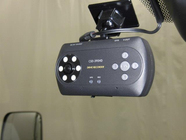 DX フルセグ メモリーナビ DVD再生 ミュージックプレイヤー接続可 バックカメラ 衝突被害軽減システム ETC ドラレコ 乗車定員6人 記録簿 ディーゼル(8枚目)
