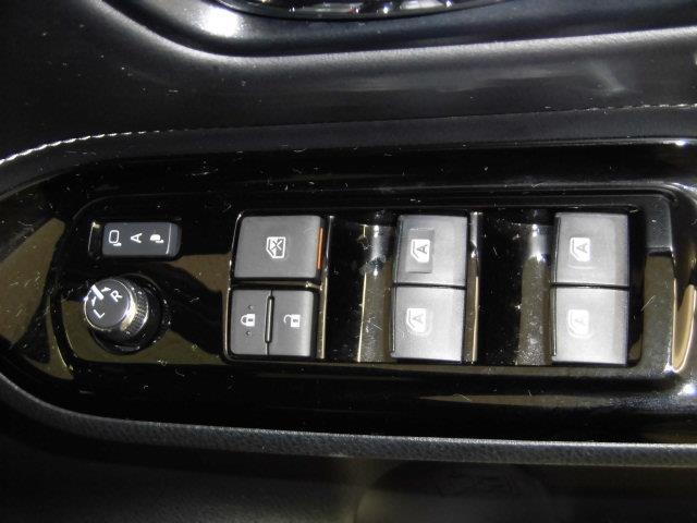 XI フルセグ メモリーナビ DVD再生 ミュージックプレイヤー接続可 バックカメラ 衝突被害軽減システム ETC 電動スライドドア LEDヘッドランプ 乗車定員7人 3列シート アイドリングストップ(24枚目)