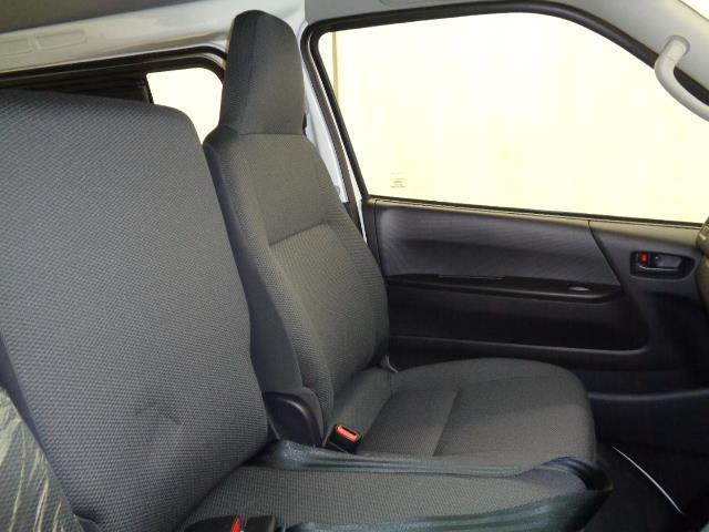 2.8DT車DX 当社社用車 衝突軽減機能 クリーニング済 SDナビ ドライブレコーダー バックモニター キーレスエントリー(17枚目)