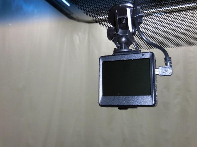 エレガンス 4WD フルセグ メモリーナビ DVD再生 ミュージックプレイヤー接続可 バックカメラ ETC ドラレコ LEDヘッドランプ アイドリングストップ(9枚目)