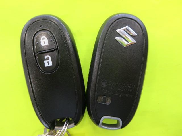 ★電子キ-★キーはポケットの中やカバンの中のままでドアの開閉やエンジンのスタ-トが出来ます。