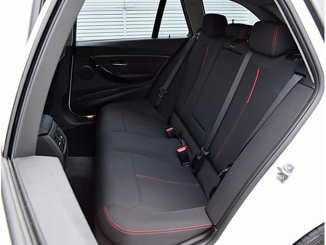 BMW BMW 320iツーリング スポーツ 衝突軽減B 純正ナビ Bカメ