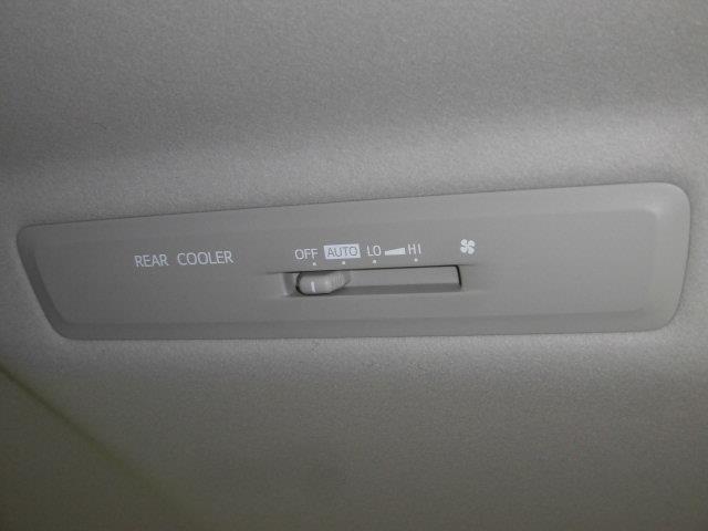 X ワンセグ メモリーナビ ミュージックプレイヤー接続可 バックカメラ ETC 両側電動スライド LEDヘッドランプ 乗車定員8人 3列シート アイドリングストップ(20枚目)