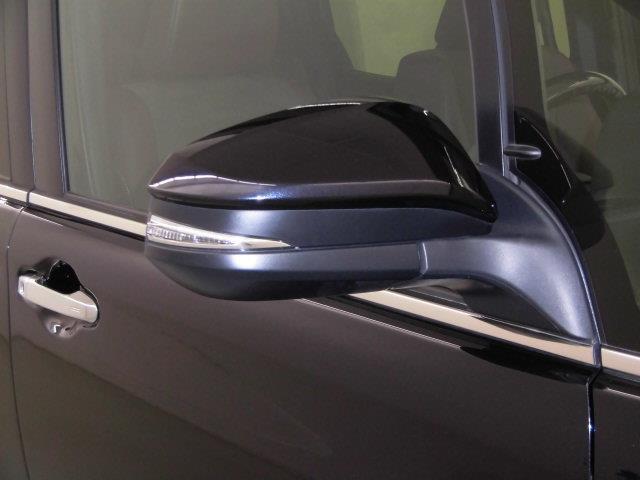 Gi プレミアムパッケージ フルセグ メモリーナビ DVD再生 ミュージックプレイヤー接続可 後席モニター バックカメラ 衝突被害軽減システム ETC 両側電動スライド LEDヘッドランプ 乗車定員7人 3列シート(8枚目)