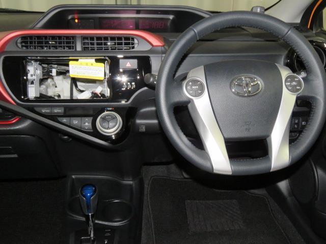 トヨタ アクア S トヨタセーフティーセンス コーナーセンサー スマートキー