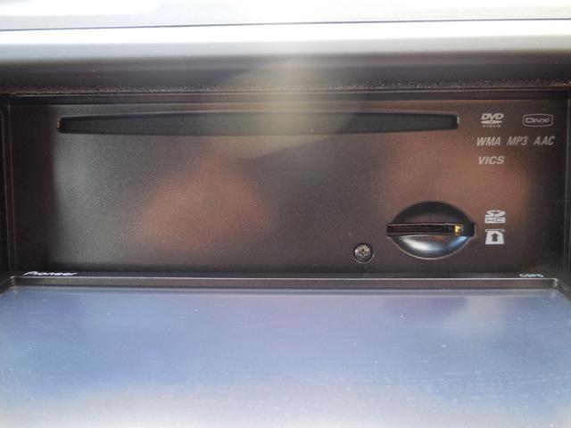 CD付きです!当たり前の装備ですが、無くちゃ困りますよね。いい音かけて、快適空間を演出して下さい。さらにDVD再生機能も付いております!