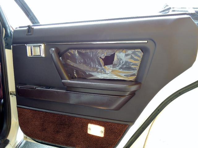 トヨタ クラウン 120系スーパーサルーンEXT・純正ハンドル・ホイルCP有