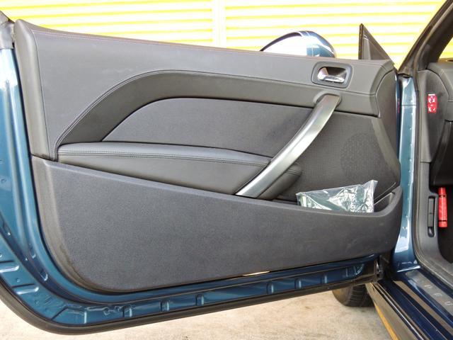 ベースグレード ターボ車・アクティブリアスポイラー・ナッパレザースポーツシート・前席パワーシート・純正18アルミ・HIDヘッドライト・4エアバック・カーボンルーフパック・インテグラルレザーパック(49枚目)