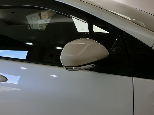 A ハイブリッド 衝突被害軽減システム ETC スマートキー LEDヘッドランプ 記録簿 オートクルーズコントロール キーレス アルミホイール CD(12枚目)