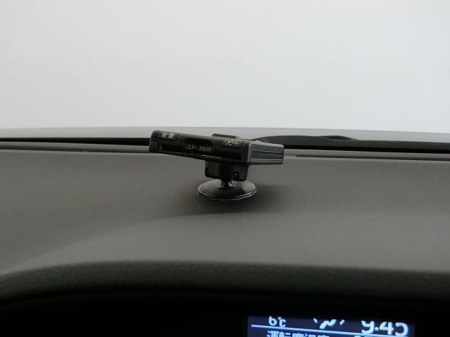 X ディライトプラス 4WD ナビ&TV 両側電動スライド メモリーナビ ワンセグ バックカメラ DVD再生 ETC 3列シート スマートキー 乗車定員8人 記録簿 キーレス CD Wエアコン(10枚目)