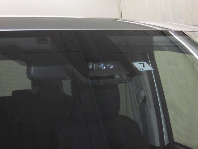 2.0X8人乗り4WD両側電動Bluetooth対応ナビ(9枚目)