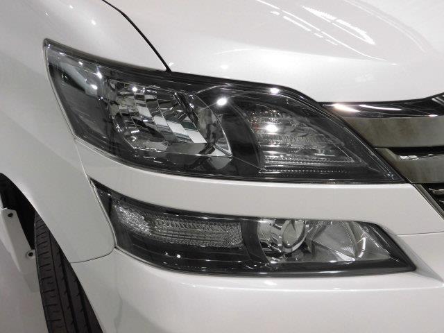 ZR 4WD フルセグ HDDナビ DVD再生 ミュージックプレイヤー接続可 後席モニター バックカメラ ETC 両側電動スライド HIDヘッドライト 乗車定員7人 3列シート アイドリングストップ(6枚目)