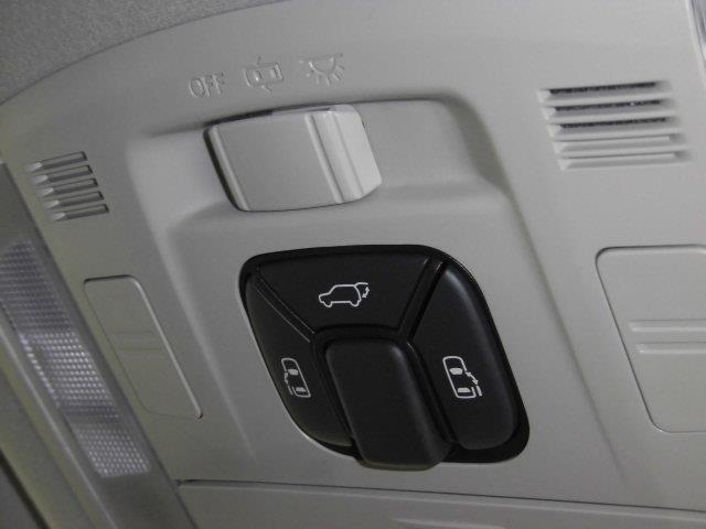 ZR 4WD フルセグ HDDナビ DVD再生 ミュージックプレイヤー接続可 後席モニター バックカメラ ETC 両側電動スライド HIDヘッドライト 乗車定員7人 3列シート アイドリングストップ(12枚目)