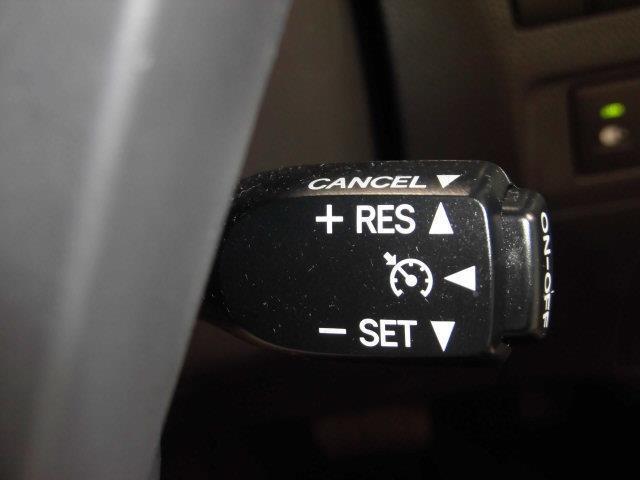 ZR 4WD フルセグ HDDナビ DVD再生 ミュージックプレイヤー接続可 後席モニター バックカメラ ETC 両側電動スライド HIDヘッドライト 乗車定員7人 3列シート アイドリングストップ(15枚目)