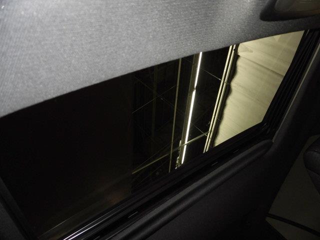RS サンルーフ フルセグ メモリーナビ DVD再生 ミュージックプレイヤー接続可 バックカメラ 衝突被害軽減システム ETC LEDヘッドランプ フルエアロ アイドリングストップ(18枚目)