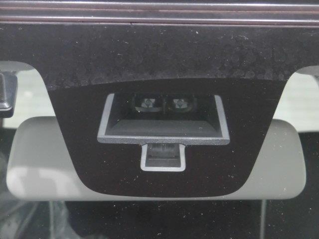 G フルセグ HDDナビ DVD再生 衝突被害軽減システム ETC HIDヘッドライト アイドリングストップ(14枚目)