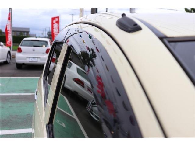 ドアバイザー★雨振りのときでも換気ができます!喫煙者の方はタバコを吸うときに窓をあけて換気ができますし、渋滞などで長時間停車するときに少し窓を開けておくとガラスの曇りを防止できます。