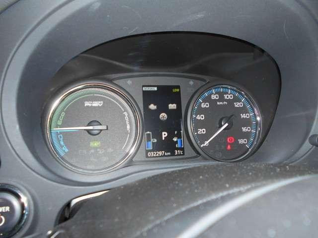 2.0 G ナビパッケージ 4WD AC100V給電機能(13枚目)