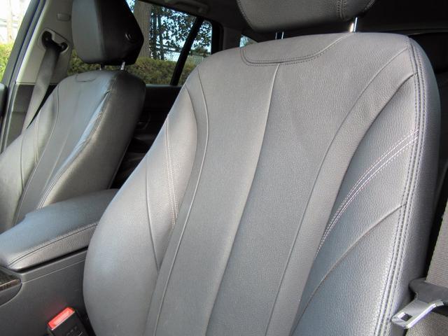 320dツーリング ラグジュアリー パールホワイト ACCアダプティブクルーズ インテリジェントセーフティ オートテールゲート 黒革シート シートヒーター パワーシート コンフォートアクセス HDDナビ Bカメラ PDC ETC 禁煙車(25枚目)