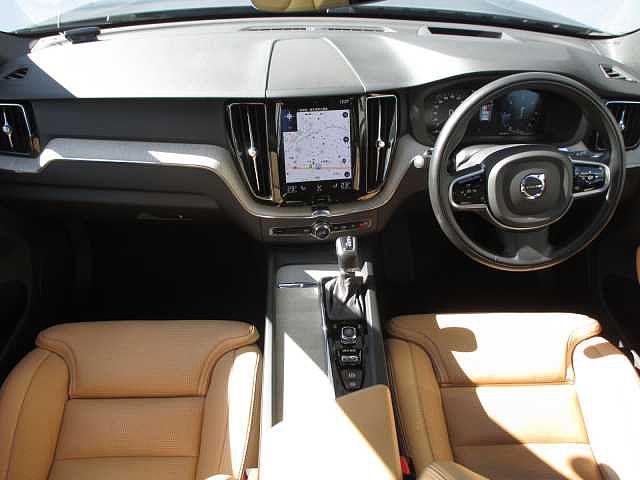 D4 AWD インスクリプション サンルーフ エアサス(8枚目)
