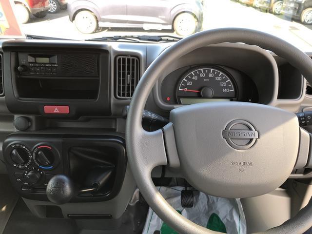 DX 4WD エアコン 5MT 軽バン 届出済未使用車(12枚目)