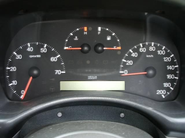 シンプルなスピードメーターです