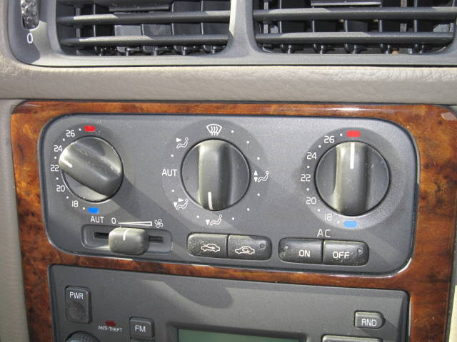 ボルボ ボルボ V70 2.5T SR R16AWエアロ タイベル済