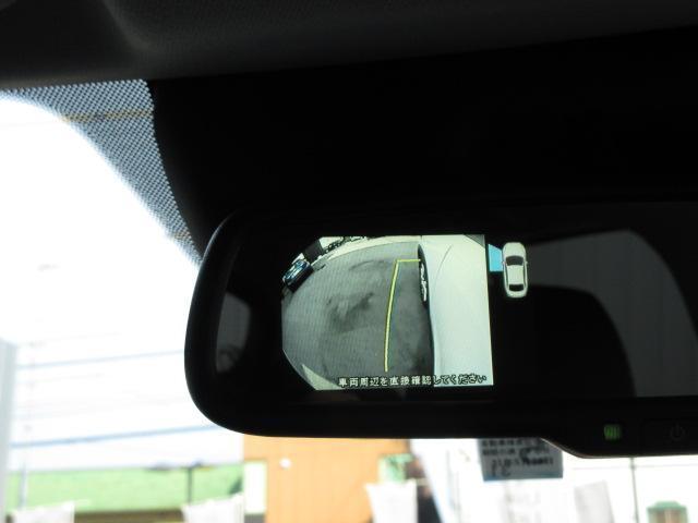 駐車時便利なバックカメラ付き☆