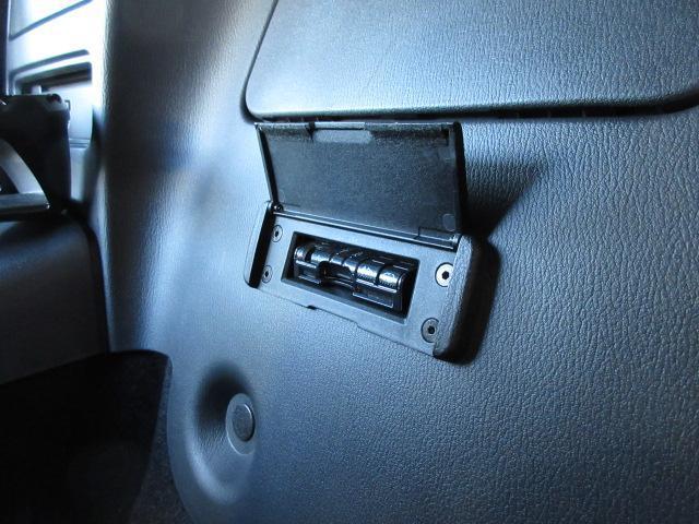 Sレザーパッケージ 革シート シートヒーター バックカメラ オートライト LEDヘッドランプ ETC Bluetooth ワンオーナー(15枚目)