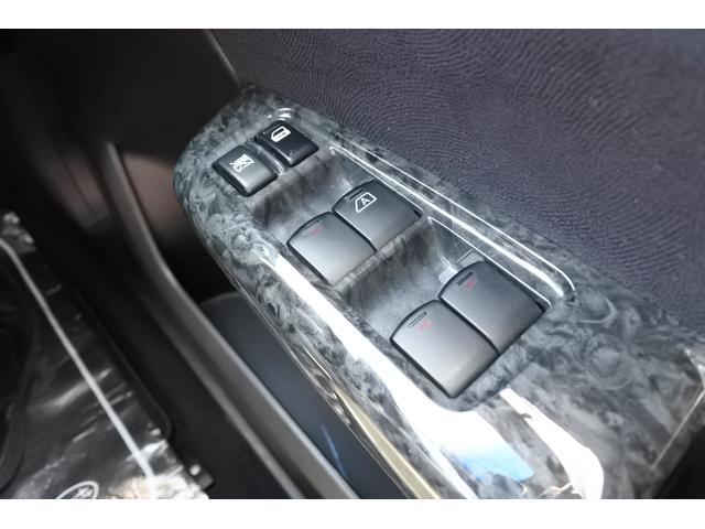 2.0i-S ナビ・ETC・バックカメラ・タイヤ新品 純正HDDナビ・ETC・バックカメラ・3列シート・7人乗り・タイヤ4本新品・17インチ純正アルミホイール・全席本革シート・HIDヘッドライト・ガラスルーフ(27枚目)