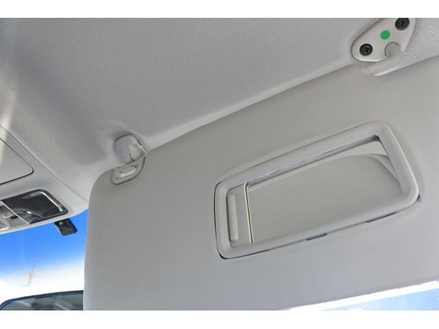 2.0i-S ナビ・ETC・バックカメラ・タイヤ新品 純正HDDナビ・ETC・バックカメラ・3列シート・7人乗り・タイヤ4本新品・17インチ純正アルミホイール・全席本革シート・HIDヘッドライト・ガラスルーフ(41枚目)