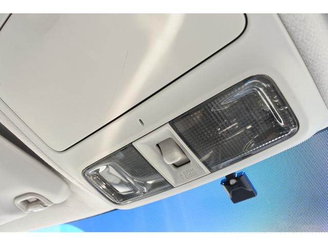 2.0i-S ナビ・ETC・バックカメラ・タイヤ新品 純正HDDナビ・ETC・バックカメラ・3列シート・7人乗り・タイヤ4本新品・17インチ純正アルミホイール・全席本革シート・HIDヘッドライト・ガラスルーフ(44枚目)