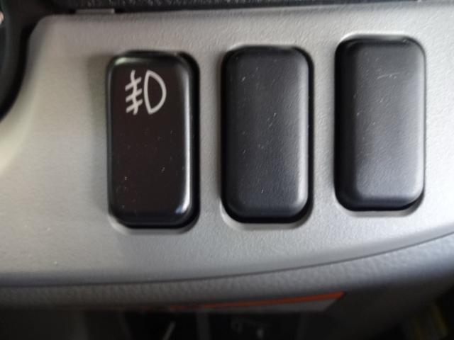 三菱ふそう キャンター 2T全低床平ボディ3.0ディーゼル未使用車キーレス